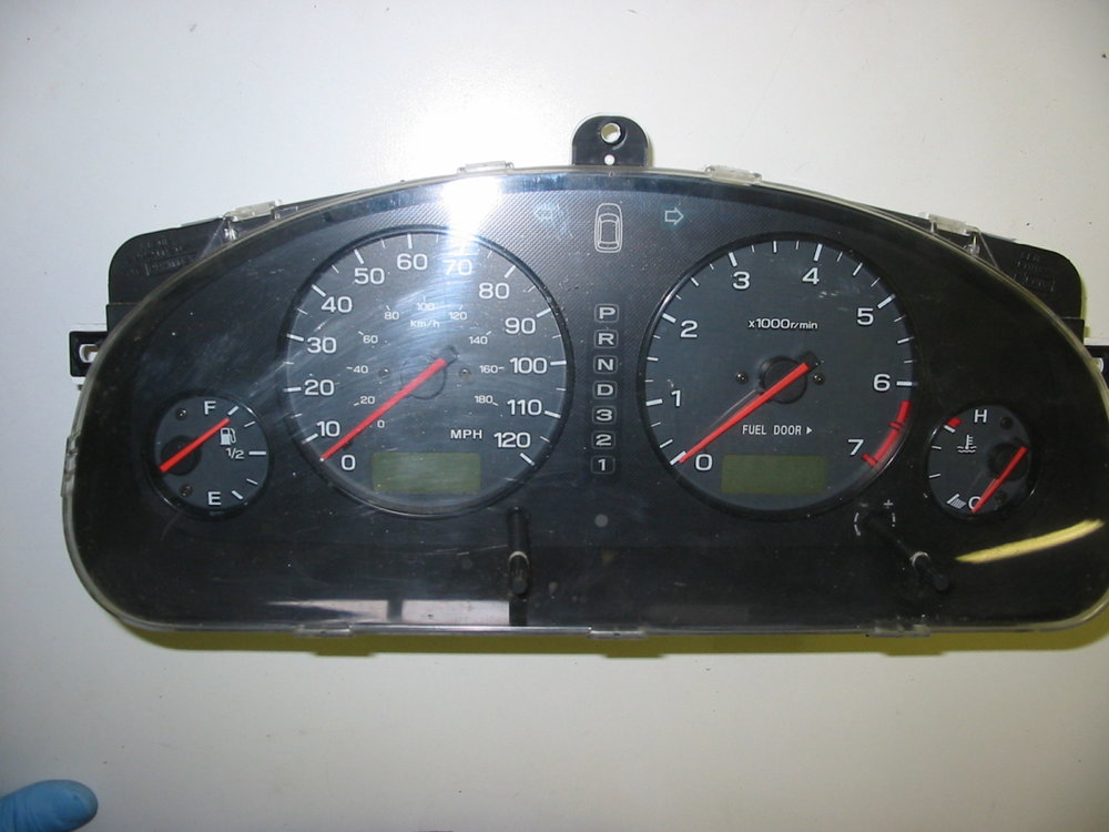 Instrument cluster (00-04 Legacy)