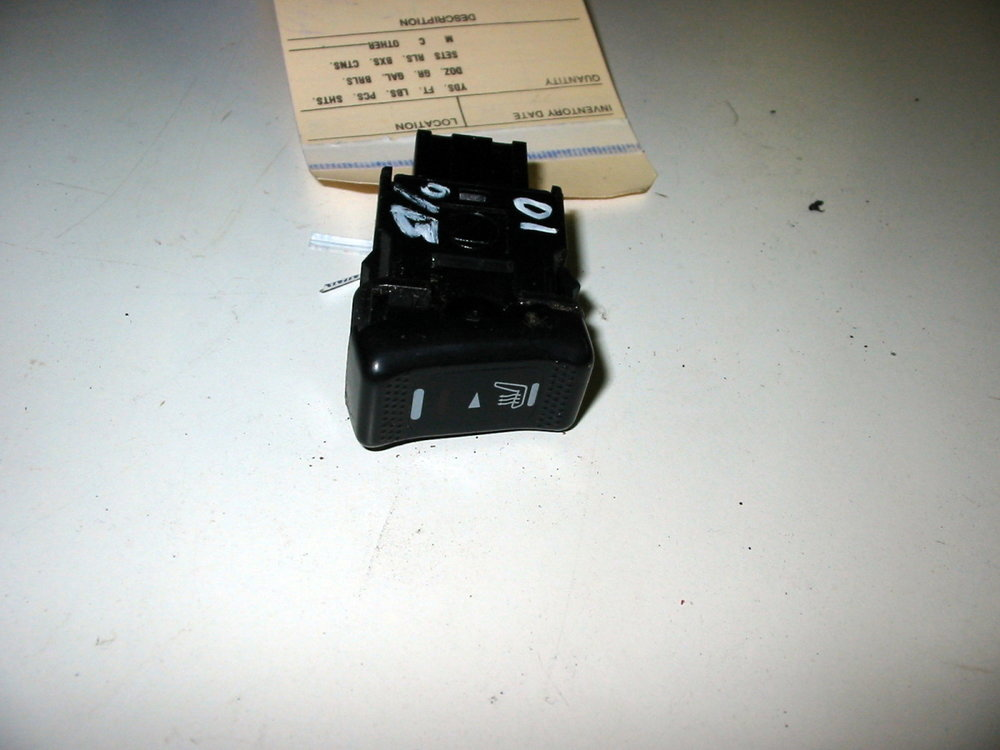 Switch, seat heater RH (00-04 Legacy)