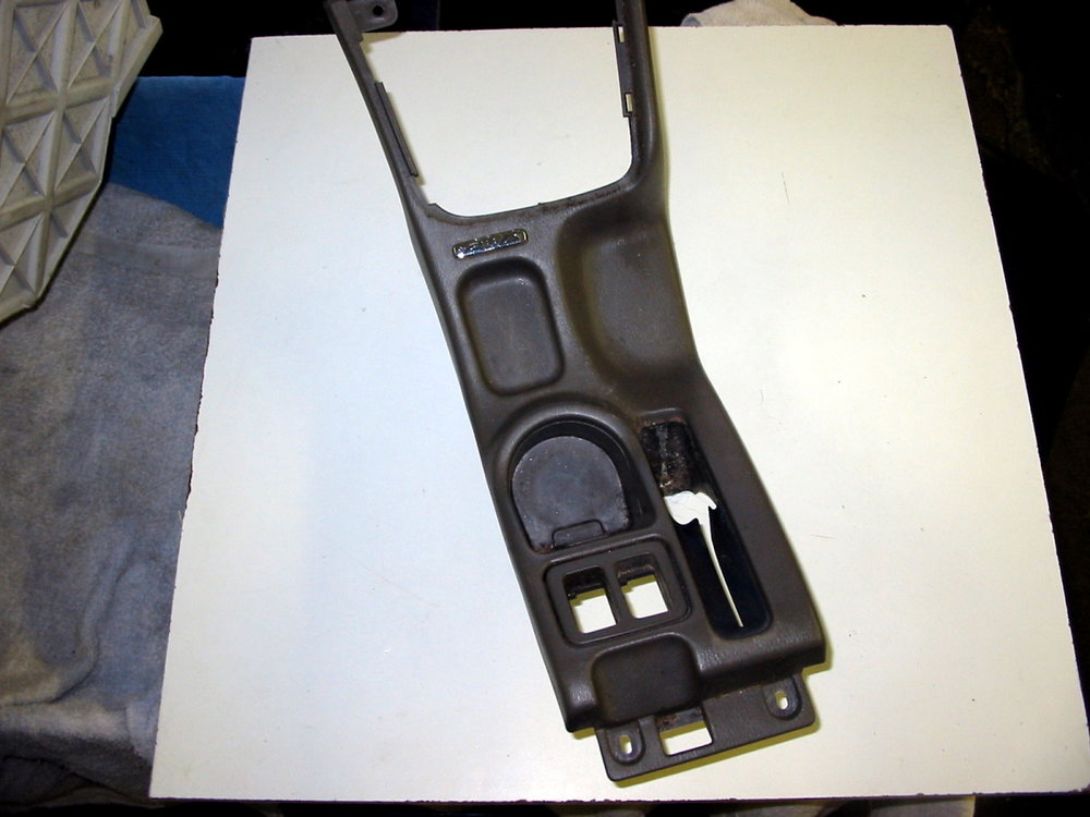 Trim, e-brake (00-04 Legacy)
