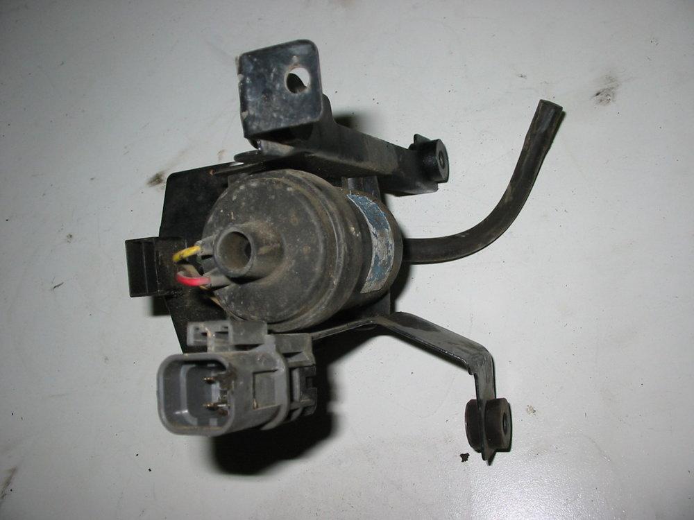 Cruise control vacuum pump 1 (1990-1994 Legacy)