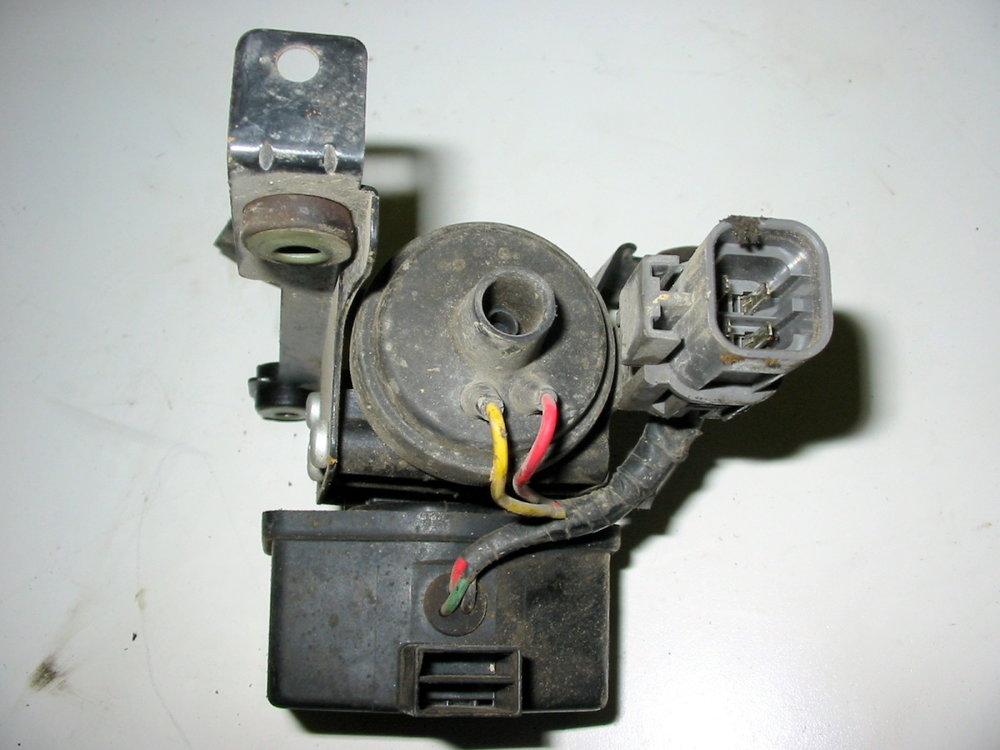 Cruise control vacuum pump 2 (1990-1994 Legacy)