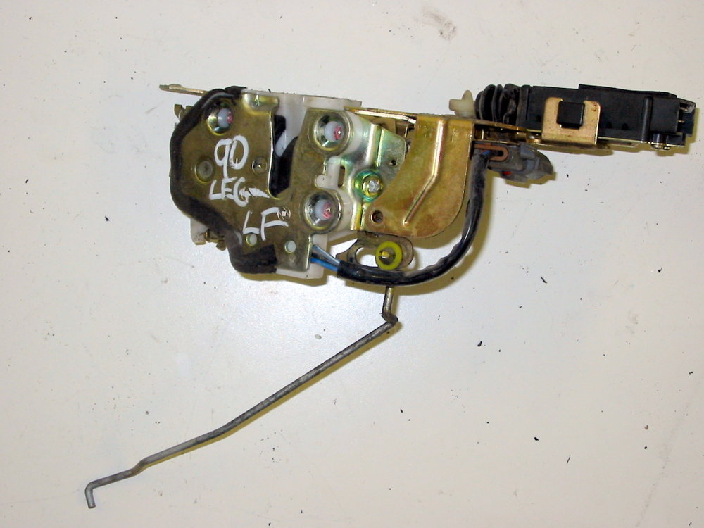 Latch, LF door 001 (1990-1994 Legacy)