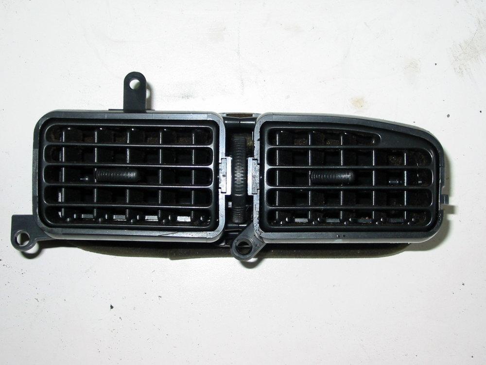 Trim, interior, dash vent, 92-94, RH driver's (1990-1994 Legacy)