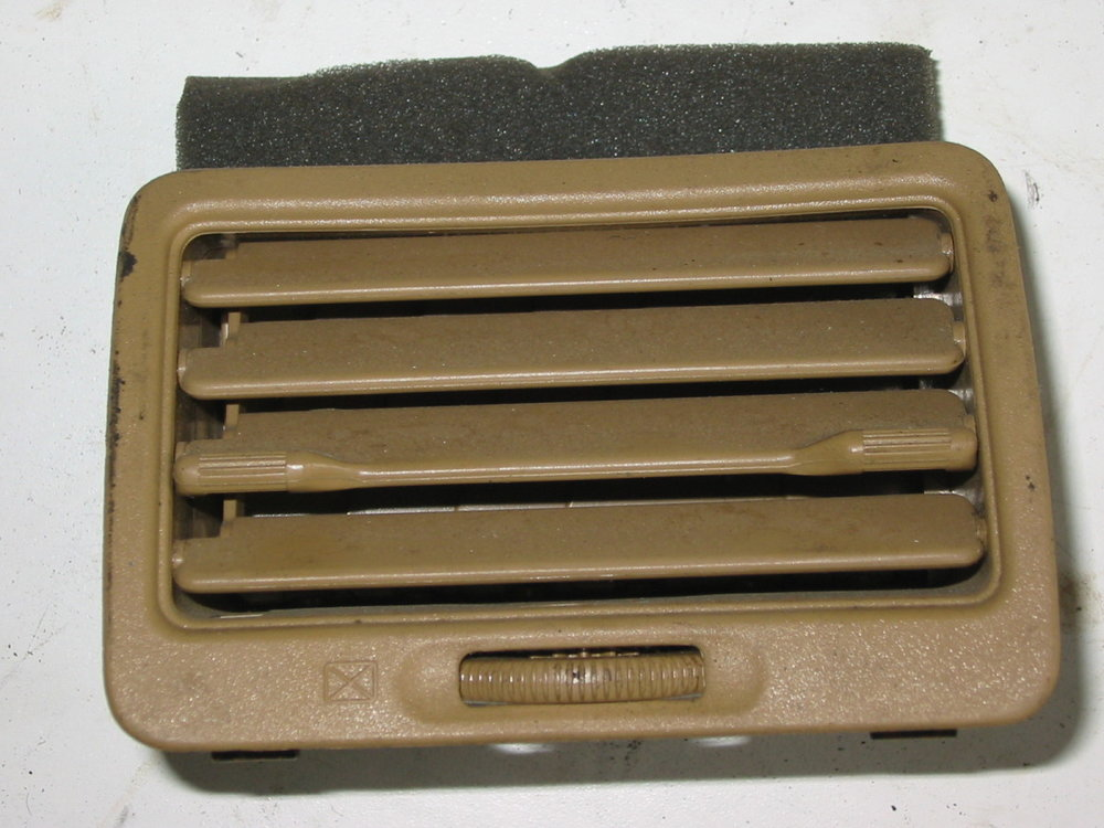 Trim, interior, dash vent, 90-91, passenger brown (1990-1994 Legacy)