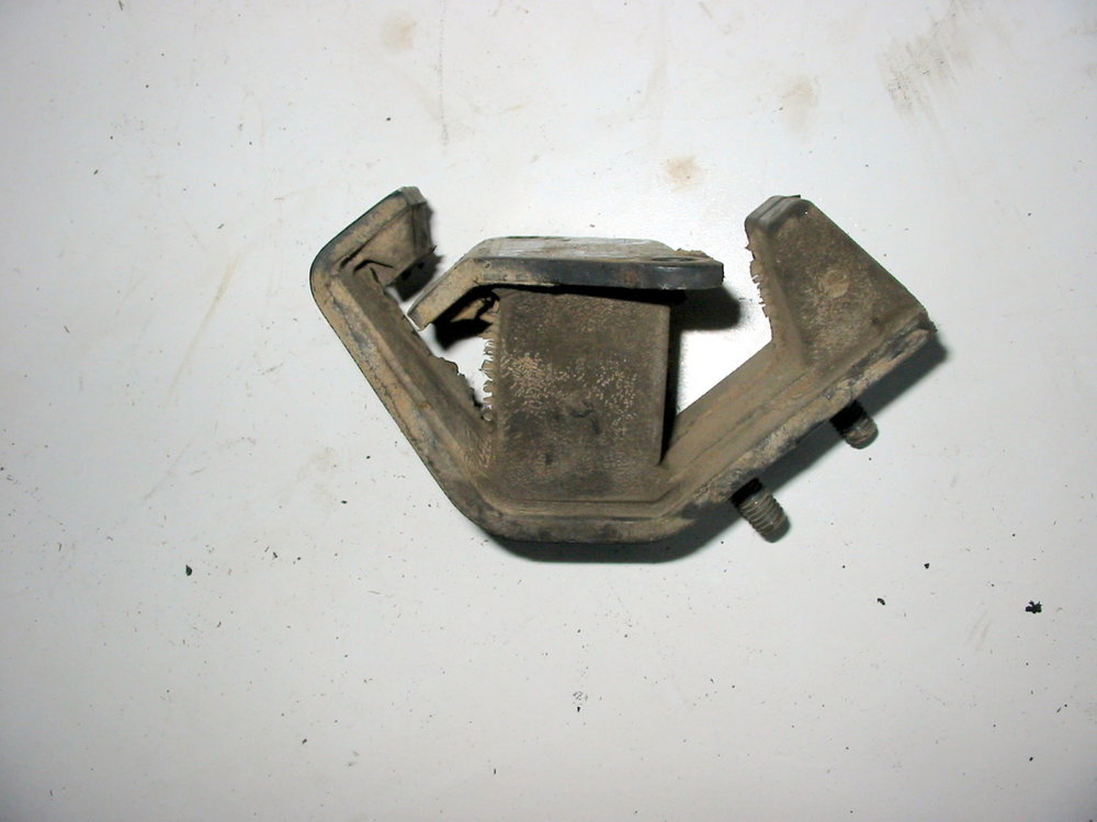 Transmission mount 4EAT 001 (1990-1994 Legacy)