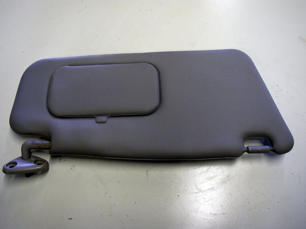 Interior, visor, RH (2002-2007 Impreza)