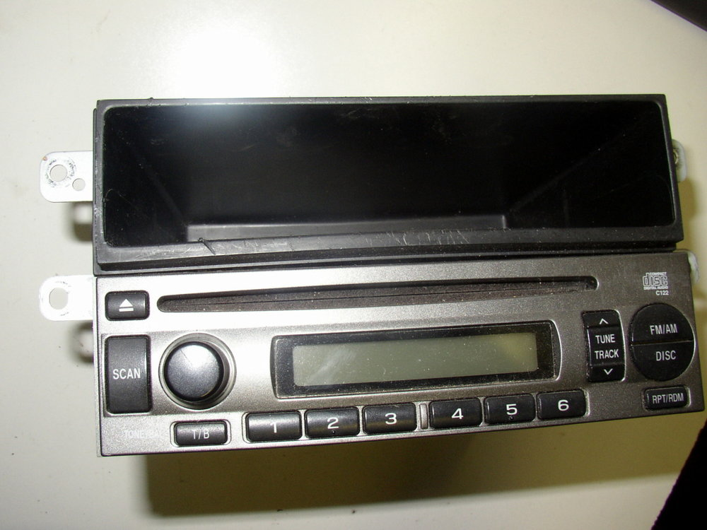 Radio, AM-FM-CD Deck (2002-2007 Impreza)