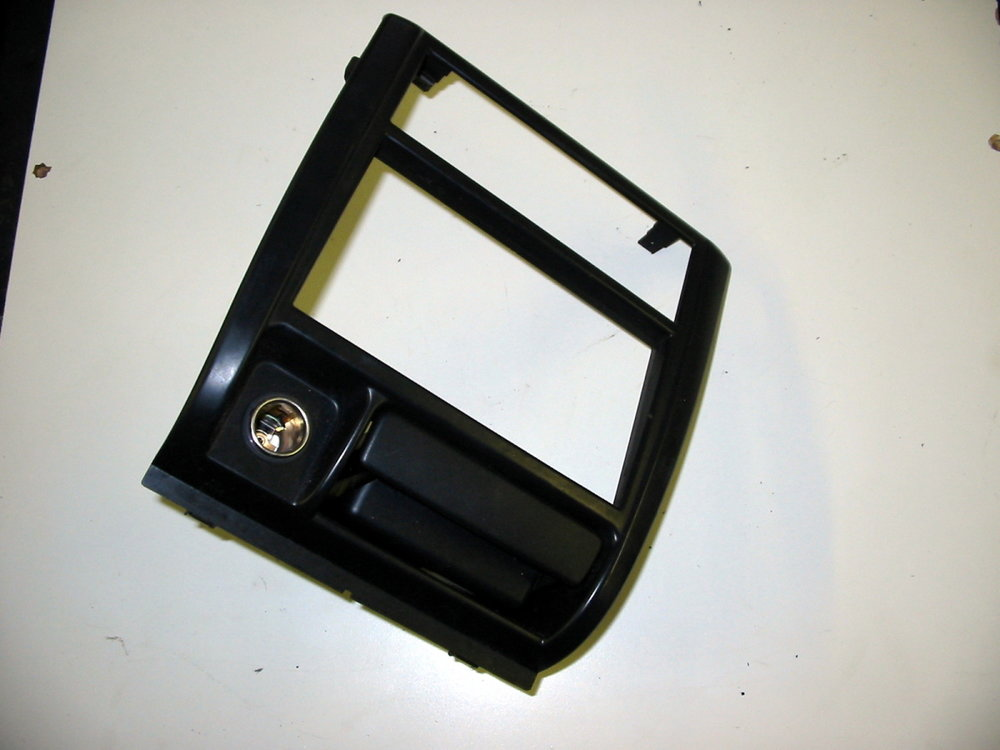 Interior trim, radio bezel and ash tray (1998-2001 Impreza)