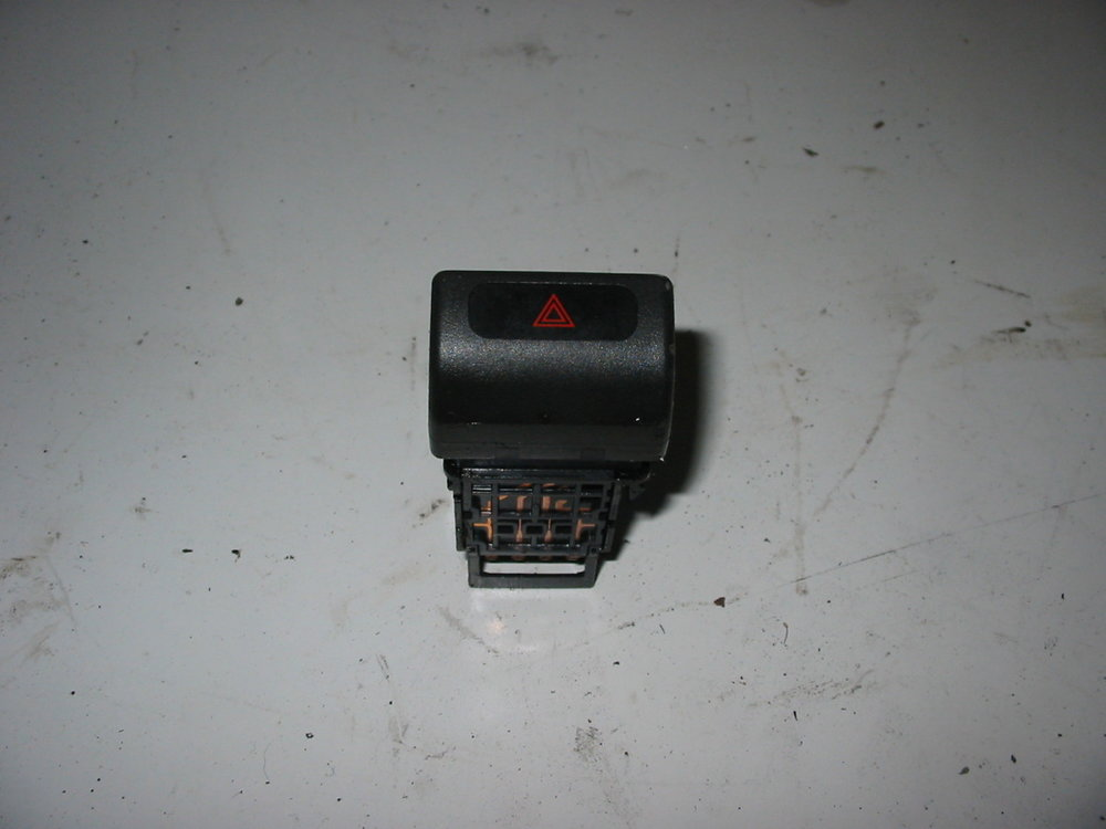 Hazard Switch (1998-2002 Forester)