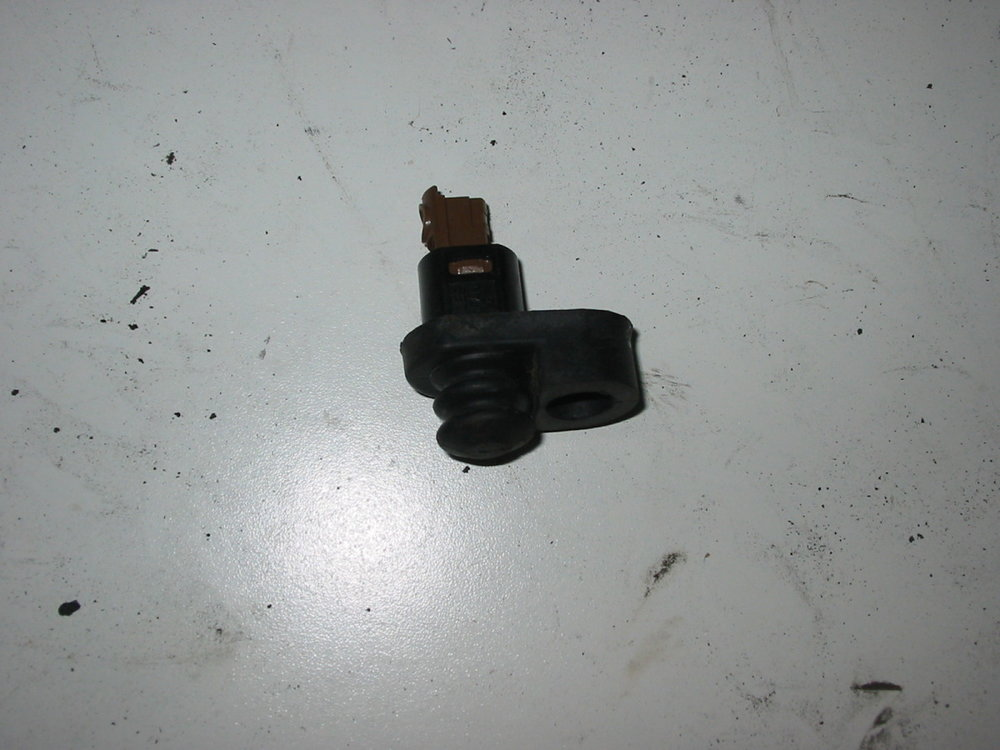 Dome Light Switch (1998-2002 Forester)