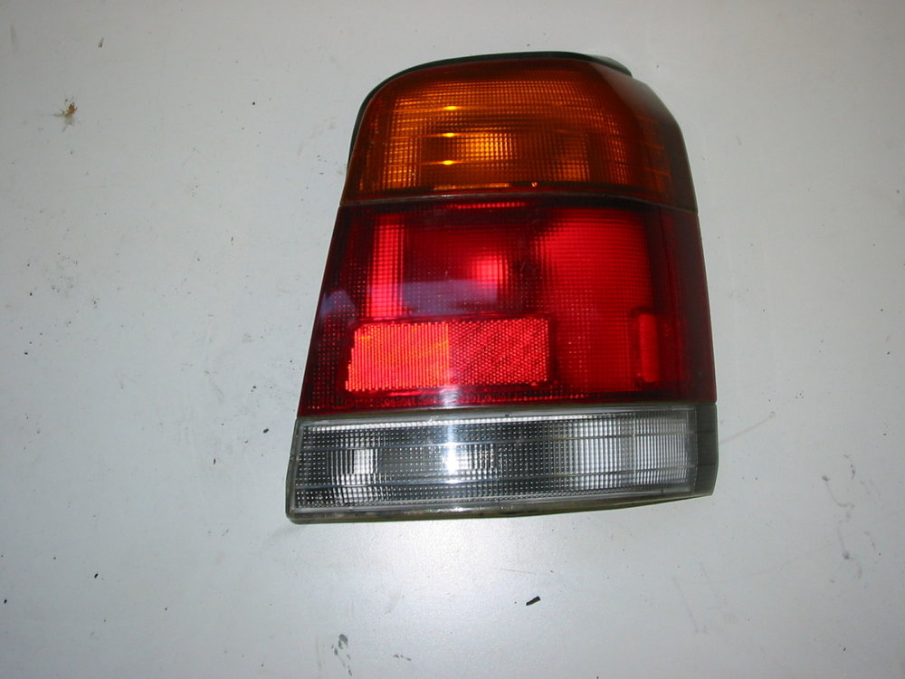 Tail-Light, RH (1998-2002 Forester)