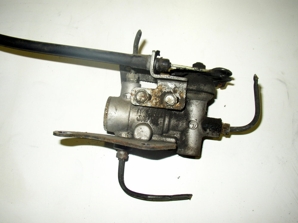 Valve, hill holder (85-94 Loyale)
