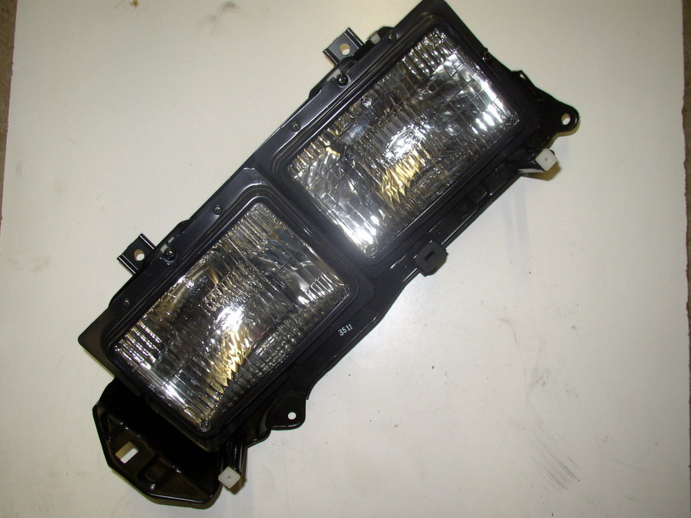 Light, headlamp, DL (85-94 Loyale)
