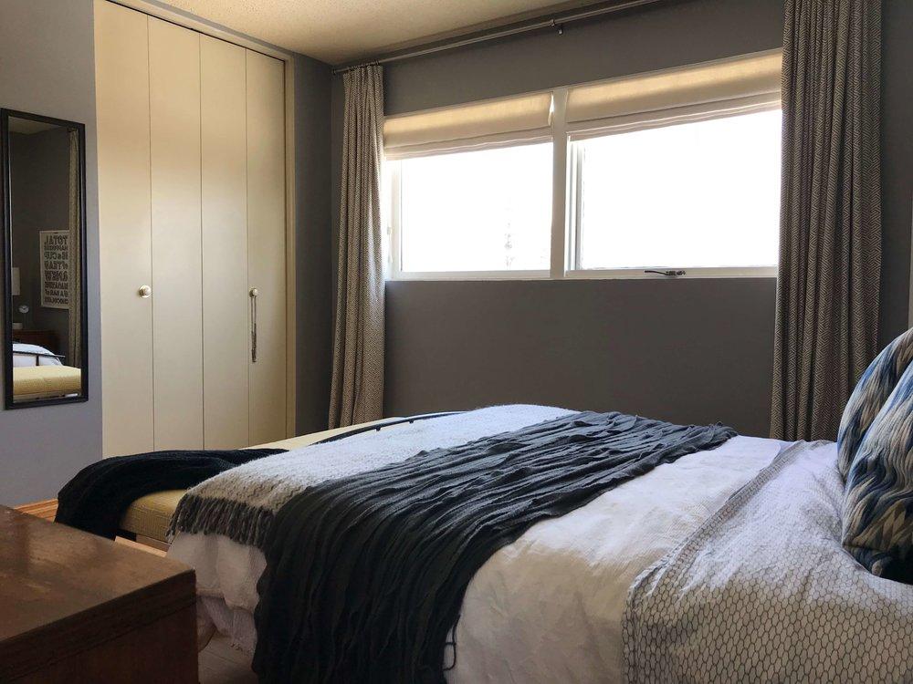 OneRoomChallengeGuest_BedroomBefore3