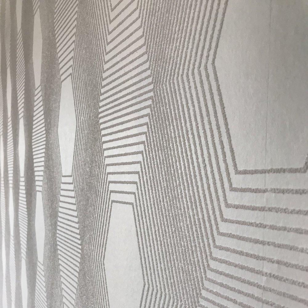 oneroomchallengeguest_texturedwallpapercloseup.jpg