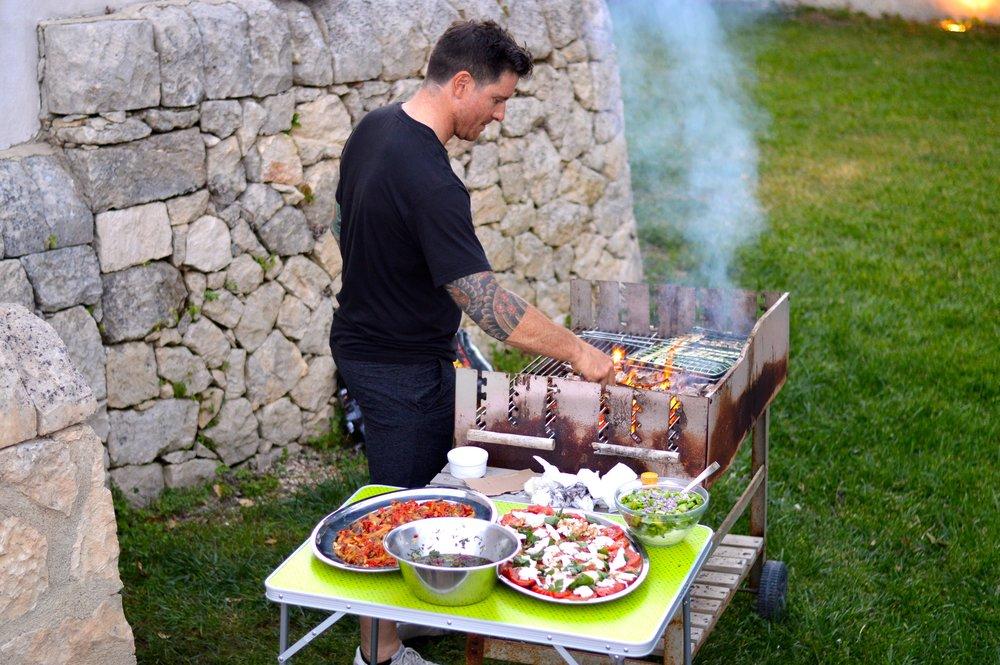 Chef Seamus Mullen grills in Sicily