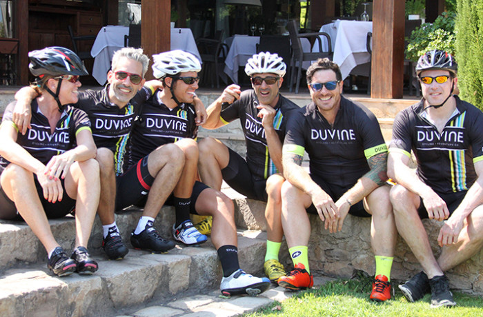 Seamus Mullen with Duvine Chef On Wheels Tour guests in Italy
