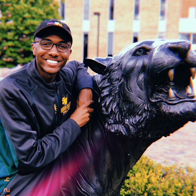 It's officially TIGER SZN 🐯 @towsonuniversity #nationalcollegedecisionday