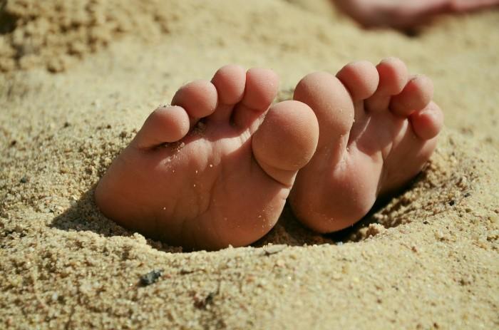 feet-717507_1280