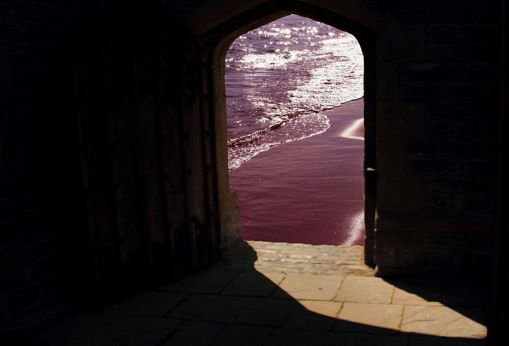 doorway-981803_1920.jpg
