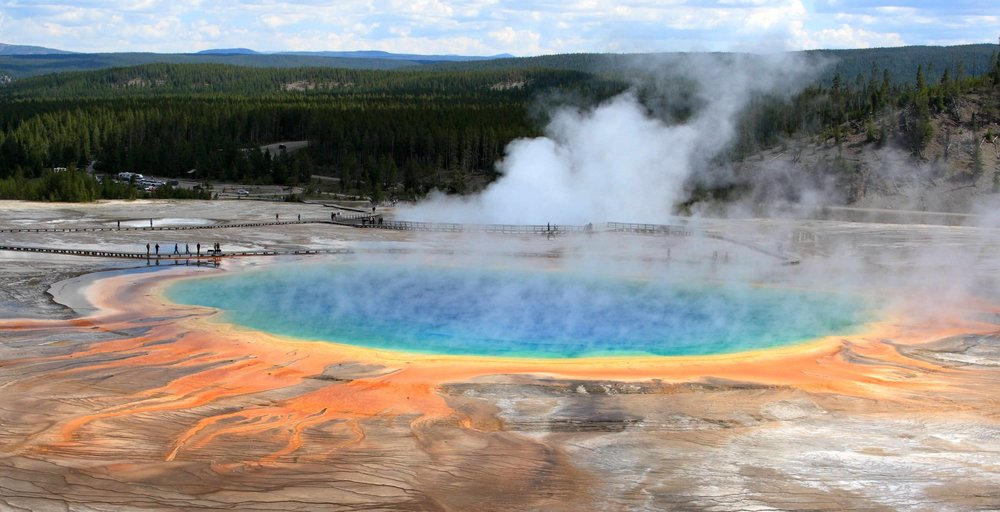 Grand_Prismatic_Spring,_Yellowstone_National_Park_(3646969937).jpg