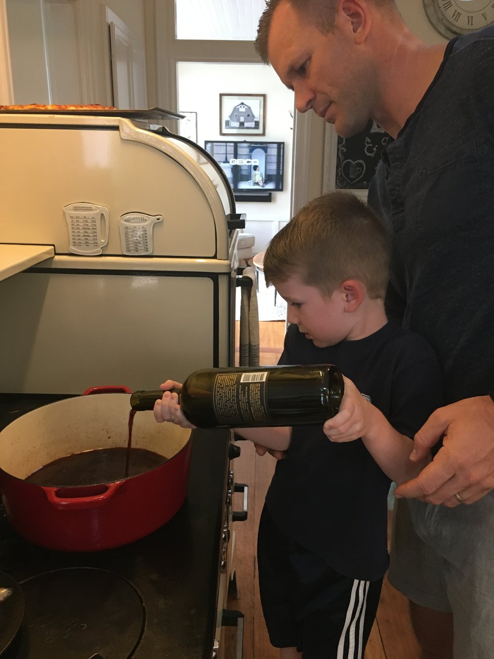 Deglazing the pot with Wine