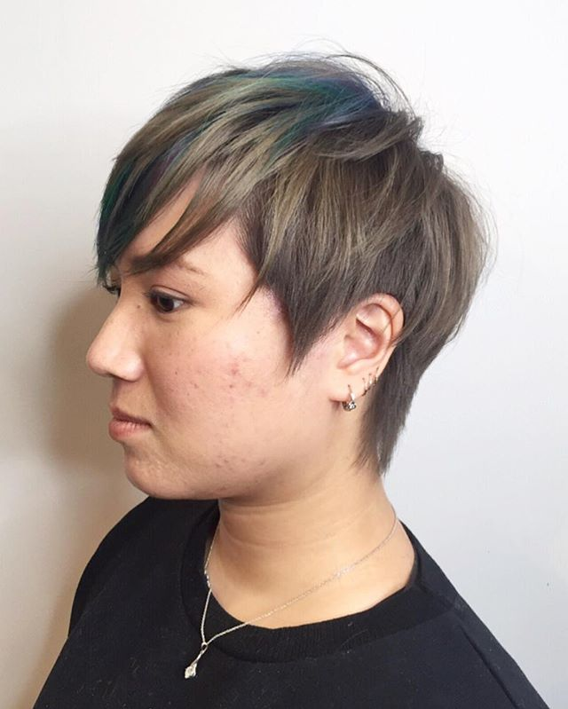 Kat  COL • @artandfury CUT • @thelostkiiddoeshair ⠀⠀⠀⠀⠀⠀⠀⠀⠀ #wachairgroup #hausofwac #wacattack #wearecreative #weactuallycare #davinesnorthamerica #donewithdavines #davinescolor #greencirclesalons #chlf #hairbrained #modernsalon #canadianhairdresser #behindthechair #mizutani #disconnection #layered #graduated #pixiecut #longpixie #shorthaircut #sidesweptfringe #texture #darkashblonde #colourfulhair #bluegreenpurple #instahair #danicolour #hairbythalz