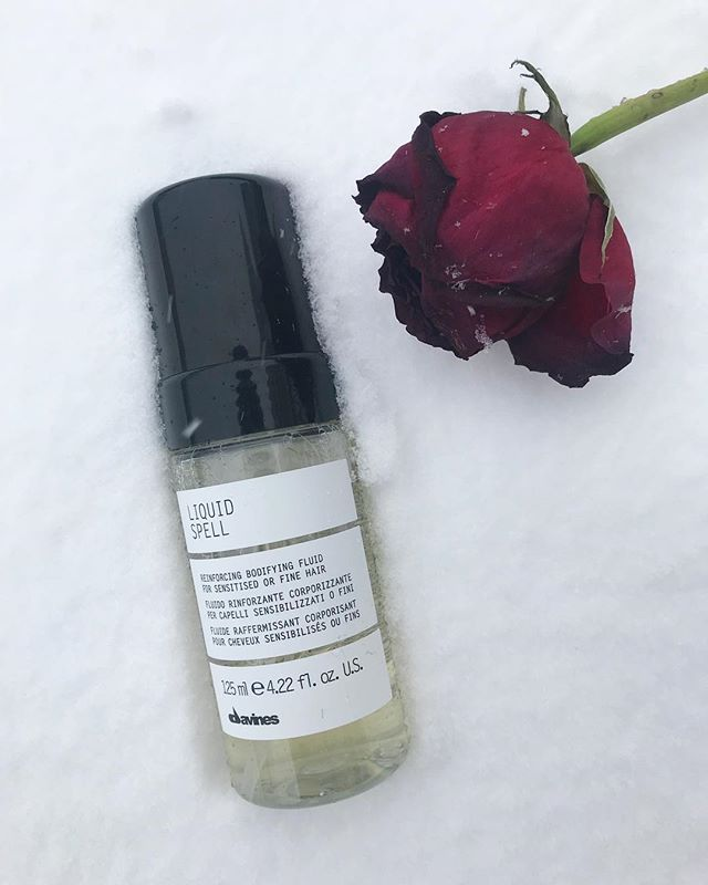 LIQUID SPELL ⠀⠀⠀⠀⠀⠀⠀⠀⠀ Visibly strengthens damaged hair while adding body and shine with heat-activated amino acids. ⠀⠀⠀⠀⠀⠀⠀⠀⠀ Apply the liquid-to-foam formula on its own or blend to create a custom treatment. ⠀⠀⠀⠀⠀⠀⠀⠀⠀ #wachairgroup #boutique #davines #liquidspell #haircare #hairstyling #treatment #naturalorigins #slowfoodpresidium #farm #veganfriendly #glutenfree #noparabens #nosulphates #nottestedonanimals #biodiversity #foreststewardshipcouncil #sustainablebeauty #renewableenergy #lifegate #zeroimpactproject #bcorp #greencirclesalons