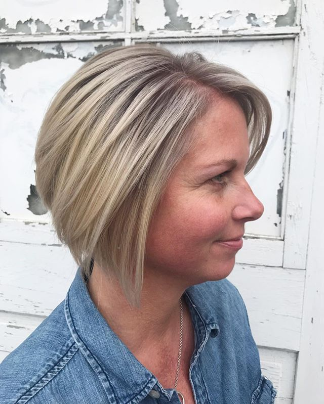 Kim  COL • @artandfury STYLE • @aldoscopazzi ⠀⠀⠀⠀⠀⠀⠀⠀⠀ #wachairgroup #hausofwac #wacattack #wearecreative #weactuallycare #danicolour #hairbyaldoscopazzi #davinesnorthamerica #donewithdavines #davinescolor #greencirclesalons #chlf #hairbrained #modernsalon #canadianhairdresser #behindthechair #bleachout #colormelt #meltedhair #ashblonde #rootshade #rootsmudge #markhamsalon #mainstreetmarkham #cityofmarkham