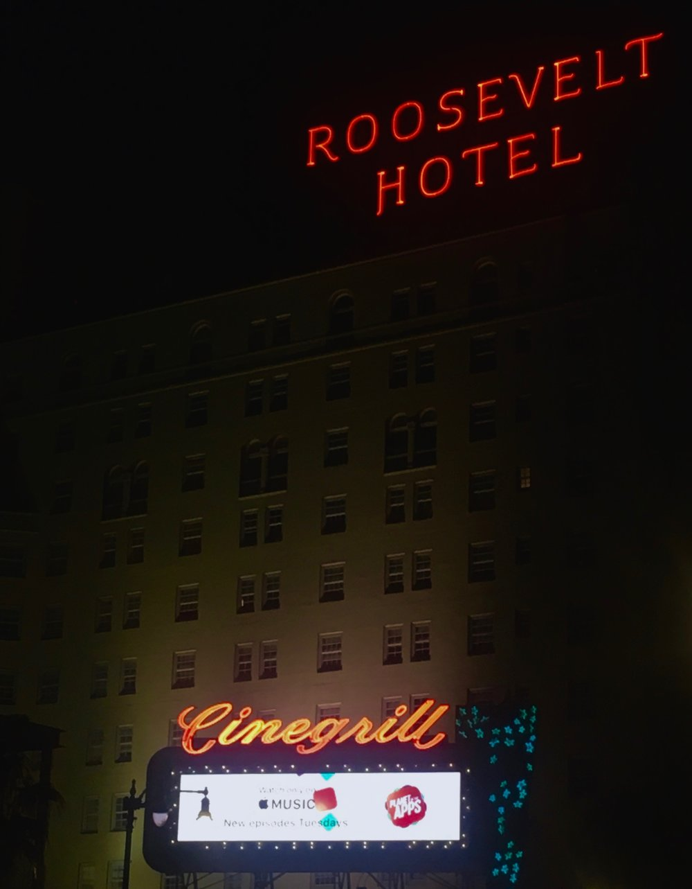 The Hollywood Roosevelt at night (photo by Meghan Ianiro)