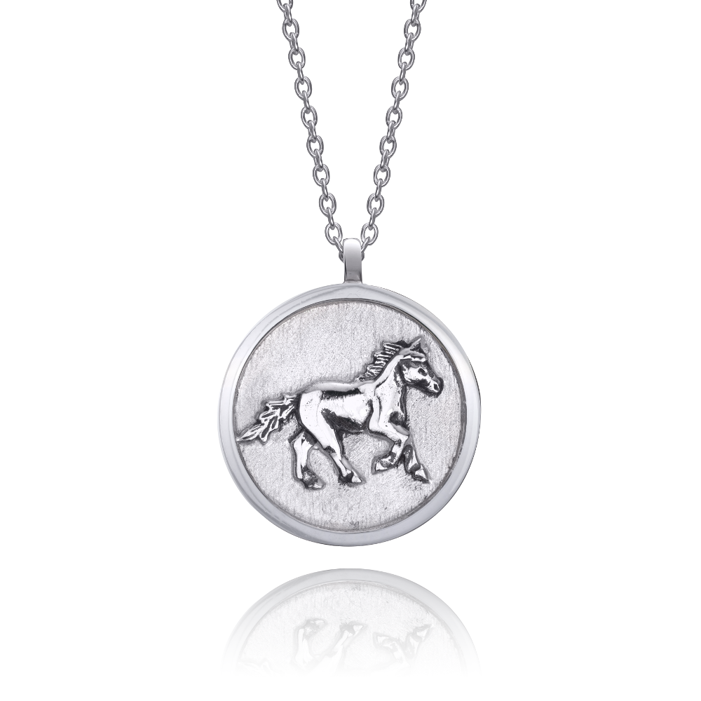 horse-necklace-white