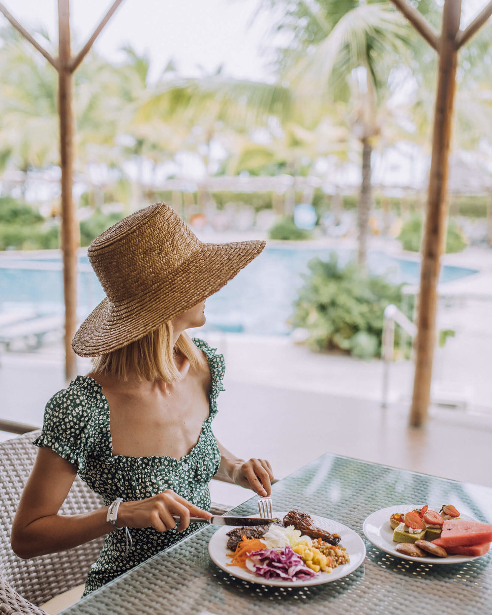 Lunch poolside was always the right choice!