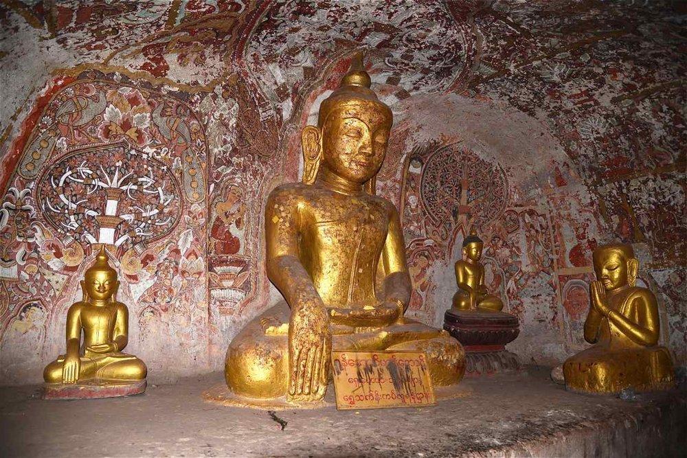 Bouddha en méditation, grotte de Hpo Win Daung