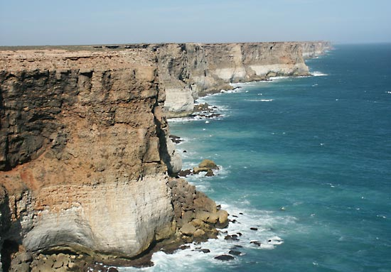 Somptuous cliffs of the Nullarbor.