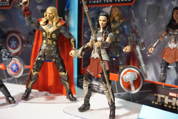 Marvel Legends The Dark World Sif and Thor- Image via Articulated Comic Book Art