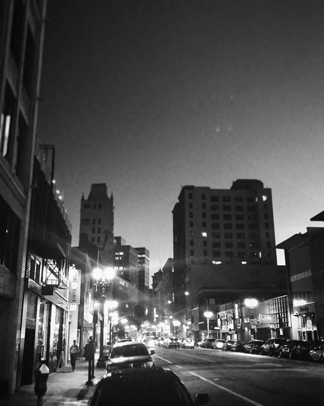 We've said it before and we'll say it again, Mr. Smith Loves Uptown! Inspiration is around every corner in this neighborhood. • • • #iammrsmithofficial#mrsmith#oakland#california#skyline#streets#uptown#work#myneighbourhood#citylife#bayarea#video#blackandwhitephotography#smallbusiness#workhardplayhard#workhard#hardwork#weloveyou#iloveoakland#bayareanative#ilovemyhood#myhood#twilight#twilightscapes#filmmakers#studio#oaklandstudio#filmstudio#media