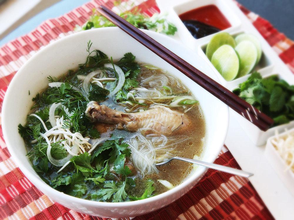 20140108-pressure-cooker-pho-ga-vietnamese-chicken-noodle-soup-06-thumb-1500xauto-417589.jpg