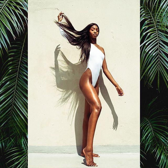 Sun Beam & Legs W/ @modelbrianna for @brijwigs ✨ • • • • • • #LaModel  #Instagood #FashionPhoto #NYFW #Editorial #NYCPhoto #model #Fashion #NYCArtist #Photographer #Onlocation #FashionEditorial #Film #Igers #Portrait #NYC #FashionWeek #columbusisfashion  #614artist #melaninpoppin #streetwear #newmodel #beautyshot #blackqueen #blackmodelsmatter #slaylikebri