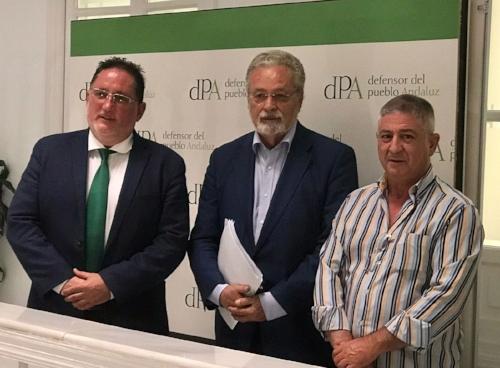 Directiva STOP Impuesto Sucesiones junto con Jesús Maeztu Defensor del Pueblo Andaluz