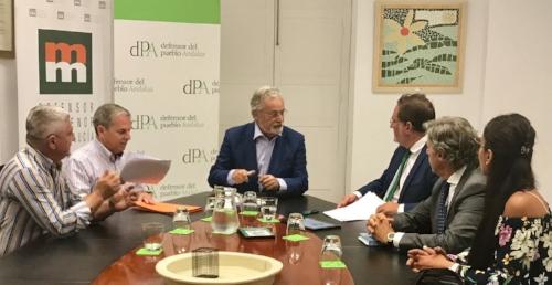 Mesa de dialogo con el defensor del pueblo Andaluz