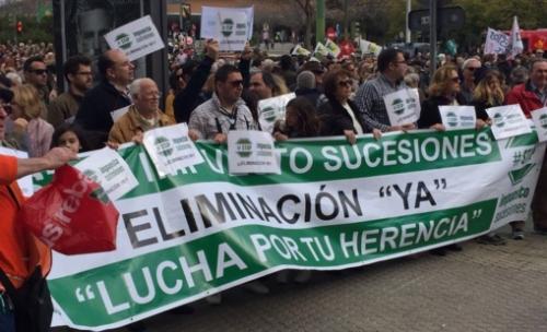 Fuente: Votoenblanco.com -Primera manifestación contra el impuesto de sucesiones