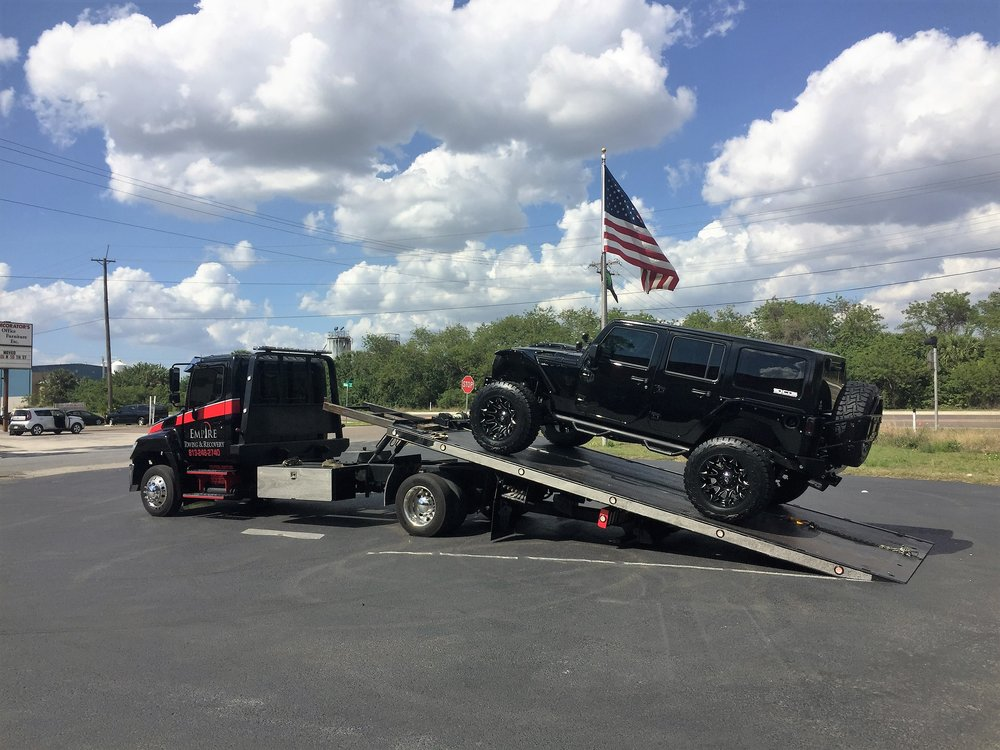 Towing Services <strong>24/7 Towing</strong><a>More →</a>