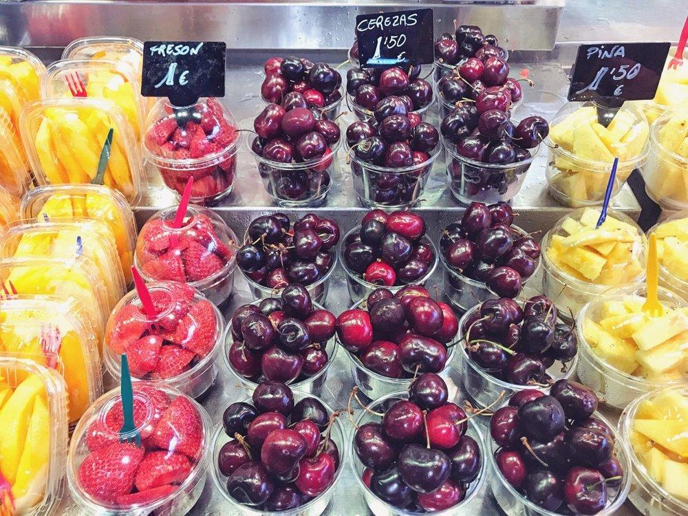 Mango, Erdbeeren, Kirschen, Ananas