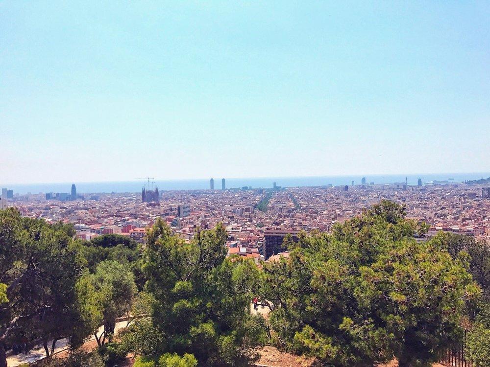 Aussicht auf die Stadt Barcelona und das Meer