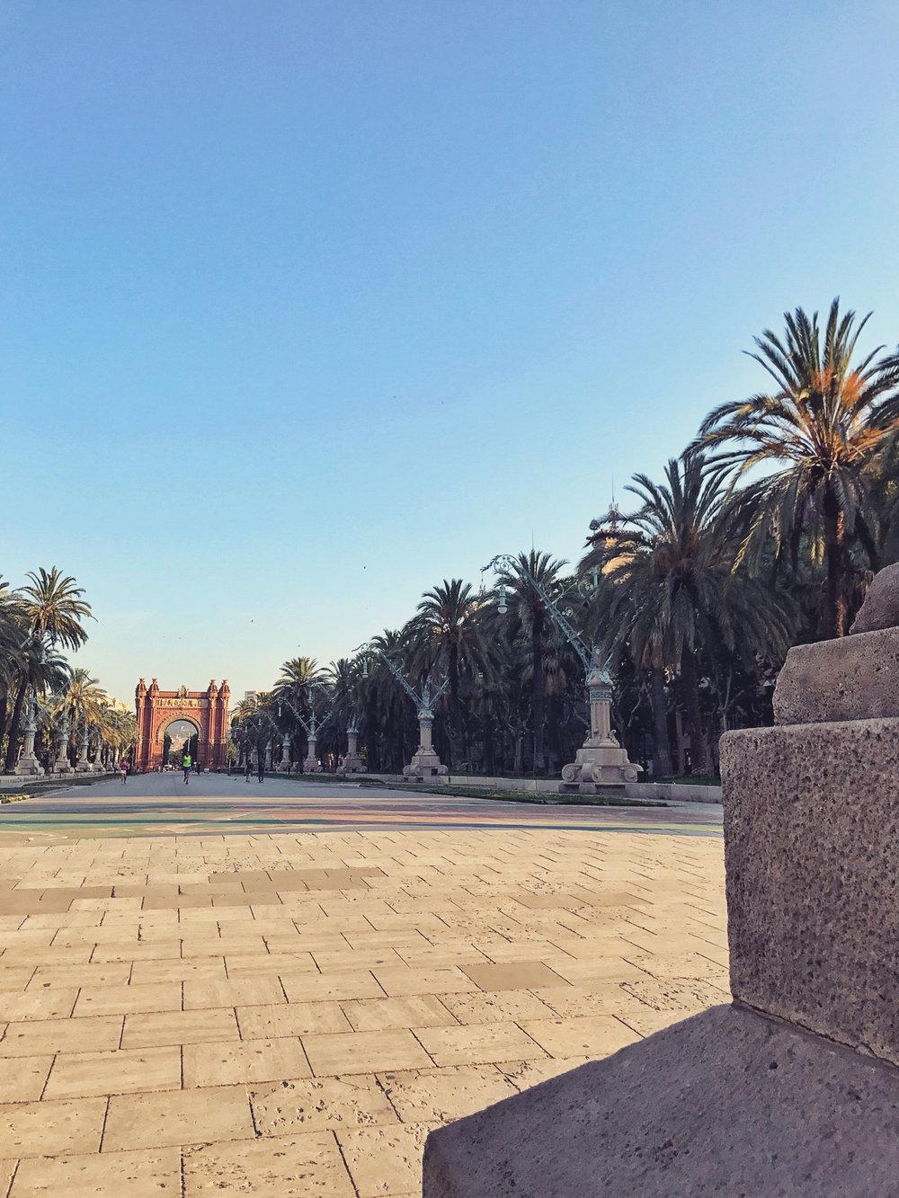 Parc de la Ciutadella mit Blick auf den Triumphbogen