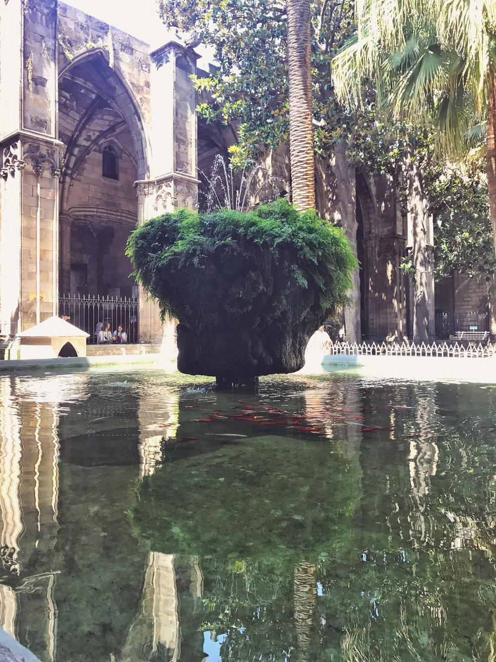 Kreuzgang mit seinem Brunnen
