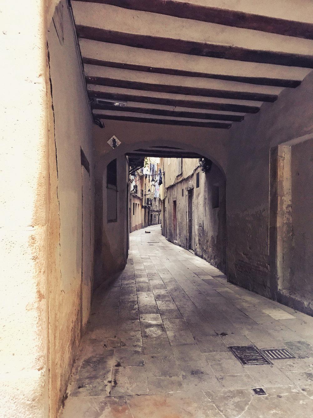 Verwinkelte Strassen im gotischen Viertel