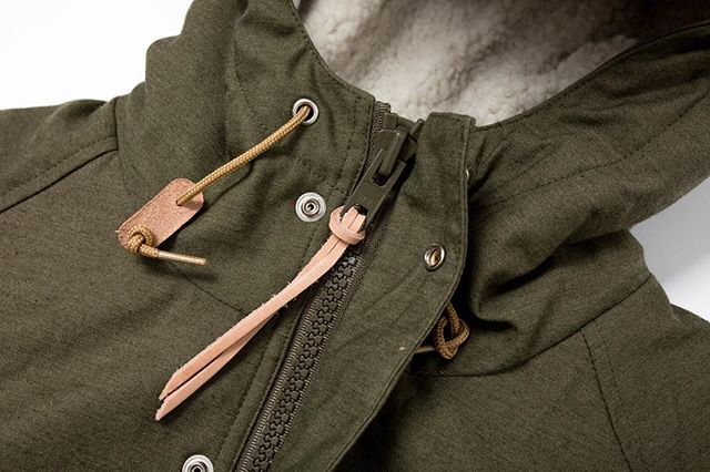 Now online, Battenwear Northfield Parka. In both Olive and Khaki. 60/40 Nylon/Cotton. Polartec Shearling lining. Insanely warm, like I only wear a T Shirt under this thing warm. Fully lined hood. Tons of pockets. and cut perfectly. This is the best jacket to round out the winter, and will also last you for year and years to come. The kind if jacket people will find, and wear, at a vintage store 20 years from now. Take 20% off the bat right now. Applied at checkout. ⠀⠀⠀⠀⠀⠀⠀⠀⠀ #madeinNY #mainemountainmoccasin #madeinusa #madeinaamerica #americanmade #waywt #wdywt #shockoe  #lookoftheday #fashiondiaries #menstyle #mensstyle #stylegram #mensfashion #rawdenim #handsewn #Vibram #stylediaries #folkcreative #catspaw #watchcap #gqstylehunt #vibram #wool #beautifulgoods #woolhat  #cozyevening #handsewn #shoprockport  #battenwear