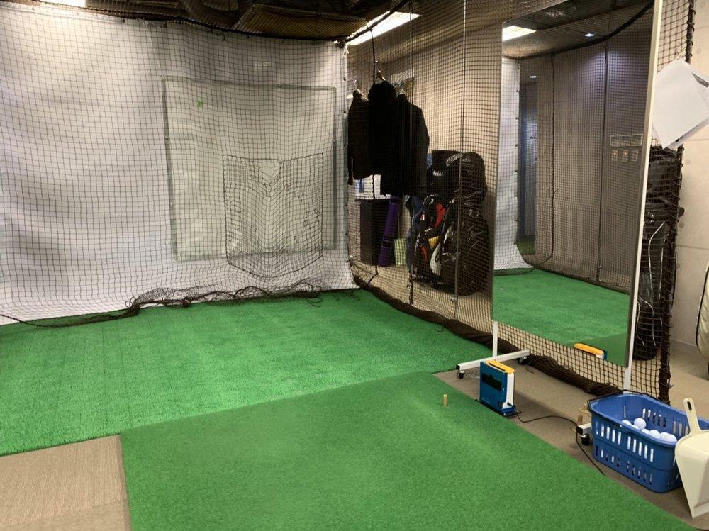 若松河田エリアのレンタルジムのゴルフ練習場