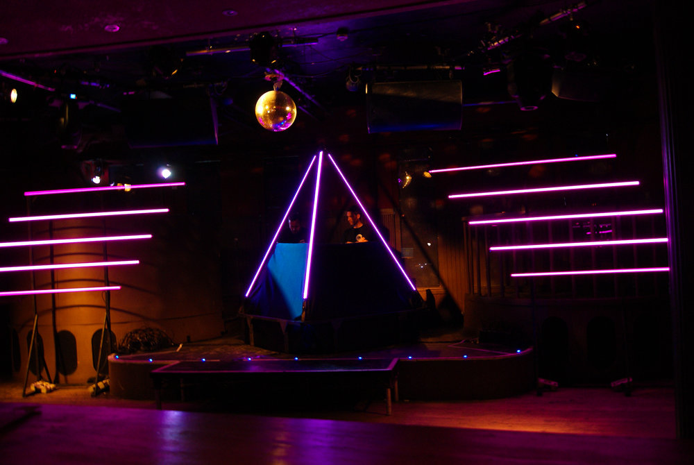 DIGITAL LOVE: A TRIBUTE TO DAFT PUNK   LIGHTING // PIXEL MAPPING // SET DESIGN
